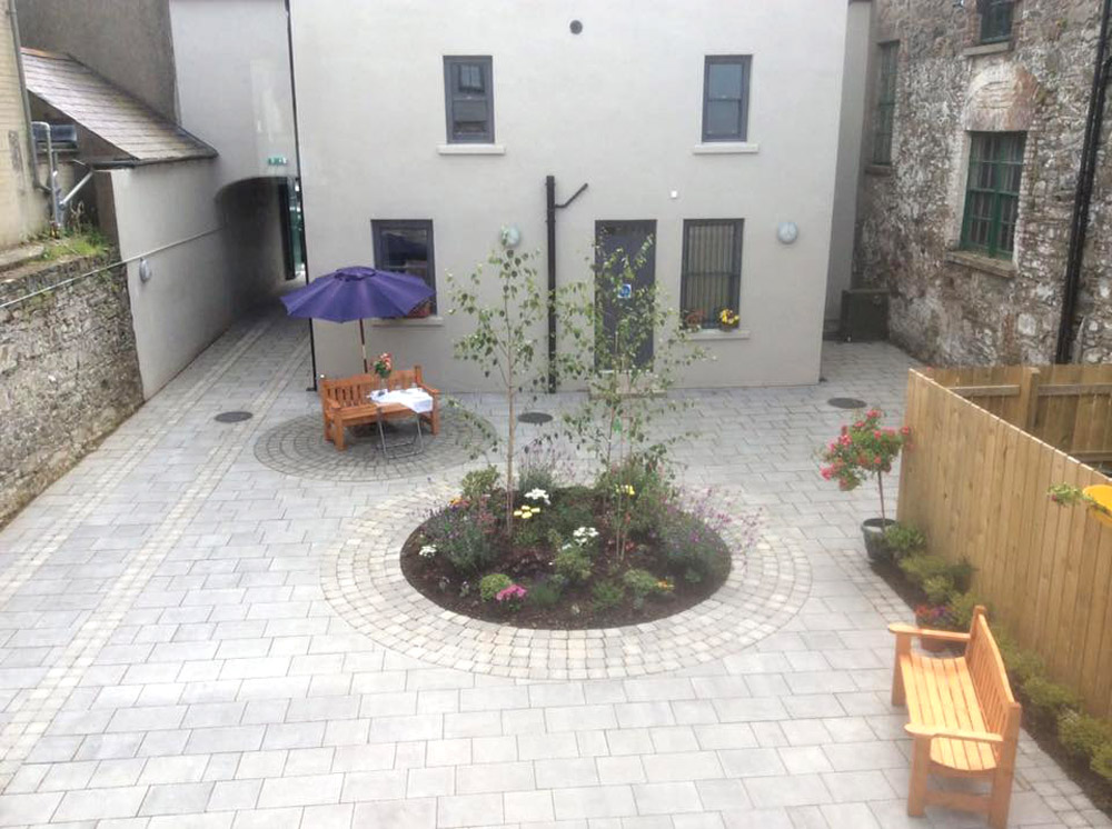 courtyard8